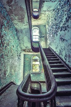 Gallery of These Images of Abandoned Insane Asylums Show Architecture That Was Designed to Heal - 58