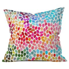 Garima Dhawan Rain 6 Throw Pillow con un sofá blanco y 6 de estos quedaria pepa!