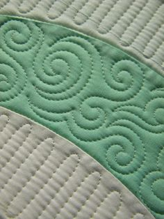 beautifully done free motion quilting . . .
