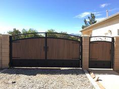 House Main Gates Design, House Fence Design, Iron Gate Design, Garage Door Design, Iron Gates Driveway, Iron Garden Gates, Side Gates, Entry Gates, Wrought Iron Gates