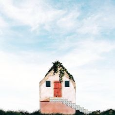 Photographer Snaps Pretty, Dreamlike Photos Of Stand-Alone Houses In Portugal 11