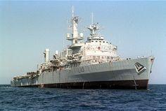 HMS Fearless -