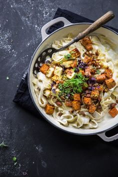 Creamy Sweet Potato And Halloumi Pasta (Cook Republic) Halloumi Pasta, Fried Halloumi, Spaghetti Bolognese, Quick Family Dinners, Easy Meals, Vegetarian Pasta Recipes, Healthy Recipes, Vegetarian Cooking, Healthy Food