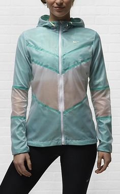 Nike Cyclone Women's Running Jacket. #gear #running #nike i so love this jacket!!!
