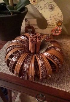Mason jar ring pumpkins is part of Upcycled Crafts Awesome Mason Jars - Mason jar ring pumpkins Autumn Crafts, Thanksgiving Crafts, Holiday Crafts, Holiday Decor, Jar Jar, Mason Jar Lids, Canning Lids, Fall Mason Jars, Jar Lid Crafts