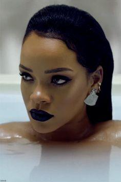 Shades Of Blackness : Rihanna