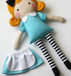 Alice in Wonderland Handmade rag doll-Fabric dolls by blita Doll Crafts, Diy Doll, Sewing Crafts, Doll Sewing Patterns, Sewing Dolls, Fabric Doll Pattern, Doll Clothes Patterns, Doll Toys, Baby Dolls