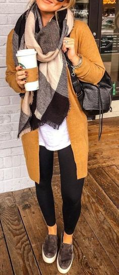 Women S Fashion For 40 Year Olds outfits women casual Winter 2018 Fashion, Autumn Winter Fashion, Fashion 2018, Look Fashion, Fashion Models, Fashion Trends, Fashion Outfits, Fall Fashion, Celebrities Fashion