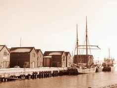 On the piers of Aker.