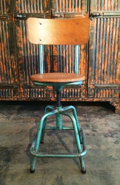 This gorgeous French industrial stool has a circular wood seat that rotates This vintage stool features a comfy seat, complete wi. Industrial Stool, French Industrial, Vintage Industrial Furniture, Stool Chair, Hammock Chair, Vintage Stool, Foot Rest, French Vintage, Eagle Rock