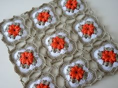 See video by nadelspiel  - although the video doesn't show how to make this particular border and join...
