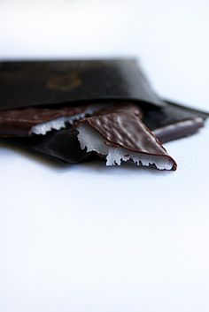 ☘ After Eight~my favorite. After Eight, Bavaria Germany, Love Food, Sweet Recipes, Food Photography, Favorite Recipes, Candy, Dishes, Chocolate