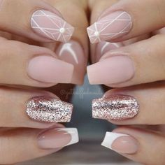 "If you're unfamiliar with nail trends and you hear the words ""coffin nails,"" what comes to mind? It's not nails with coffins drawn on them. Although, that would be a cute look for Halloween. It's long nails with a square tip, and the look has. Winter Nail Designs, Nail Art Designs, Nails Design, Gorgeous Nails, Pretty Nails, Amazing Nails, Casket Nails, Nagellack Trends, Manicure E Pedicure"