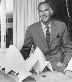 Jorn Utzon with a model of his Sydney Opera house. Cultural Architecture, Interior Architecture, Jorn Utzon, Oscar Niemeyer, Famous Architects, Architect House, Built Environment, Le Corbusier, World Heritage Sites