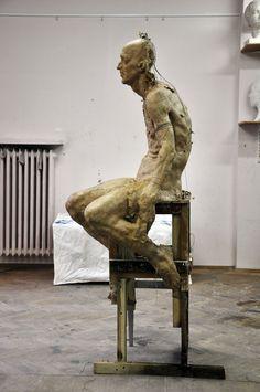 Grzegorz Gwiazda : heretyk 2012 Art Sculpture, Sculptures, Human Sculpture, Ceramic Sculpture Figurative, Art Du Monde, Ceramic Figures, Abstract Portrait, Inspiration Art, Art Model