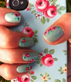 Manis primaverales #TheTaiSpa #Mani #Diseño #flores