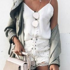 We love these lace white shorts! They go with literally anything. | 8 Fashion Dos & Don'ts for Summer 2018