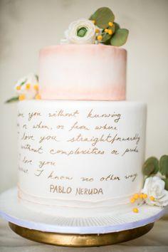 gold script wedding #cake