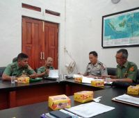 Rapat koordinasi dengan seluruh pihak yang terkait dengan penyelenggaraan Pilkada Kota Banjarbaru Tahun 2015. Rakor dilaksanakan di Pemko Banjarbaru.