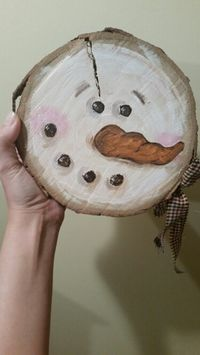 Wood slab hand painted snowman More FREE: Access Our Brand New WoodCrafting Guide Primitive Christmas, Christmas Snowman, Rustic Christmas, Winter Christmas, Christmas Ornaments, Wood Ornaments, Log Snowman, Primitive Snowmen, Christmas Signs