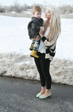 Para el frío unas botas y un rico y abrigador suéter. #mom #style #fashion #outfit #mommy #cool #beauty #fashionist