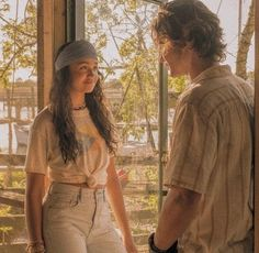 John B and kiara Parejas Goals Tumblr, Bank Fashion, The Pogues, Tv Show Outfits, Summer Outfits, Cute Outfits, Couple Aesthetic, Paradise On Earth, Aesthetic Vintage