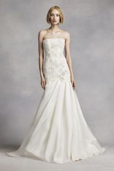 This Strapless Mermaid Gown Was Made For The Traditionally Chic Bride With Its Stunning Pearl And