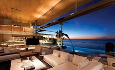 Livingroom with a gorgeous view....