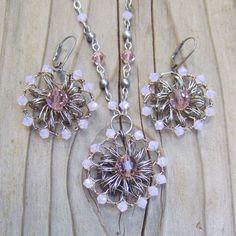 Luz rosa Set - cristal de Swarovski joyería conjunto - Rosa Wire Crochet Jewelry Set - Rosa dama regalo - boda rústica joyería