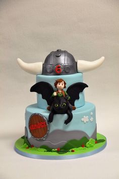 how to train a dragon cake Dragon Birthday Cakes, Dragon Birthday Parties, Dragon Cakes, Dragon Party, Birthday Fun, Toothless Party, Toothless Cake, Neon Cakes, Pink Cakes