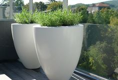Large pots for the balcony.: