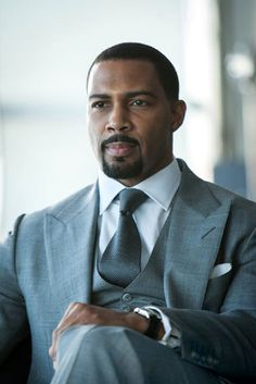 Picture: Omari Hardwick in 'Power.' Pic is in a photo gallery for Omari Hardwick featuring 28 pictures. Men In Black, Handsome Black Men, Black Men In Suits, Sharp Dressed Man, Well Dressed Men, Mens Fashion Suits, Mens Suits, Men's Fashion, Hommes Sexy