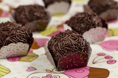 Brazílske bonbóny - Brigadeiro Cookies, Chocolate, Desserts, Christmas, Food, Vagas, Sweets, Crack Crackers, Tailgate Desserts