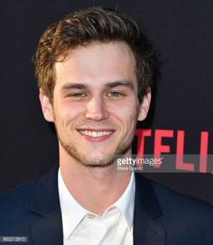 brandon-flynn-arrives-at-the-premiere-of-netflixs-13-reasons-why-at-picture-id662212810 (531×612)