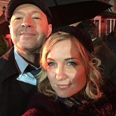 """2,215 mentions J'aime, 41 commentaires - Amy Carlson (@theamycarlson1) sur Instagram: """"That's a wrap! @donniewahlberg @bluebloods_cbs #seasonwrap"""""""