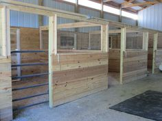 Good for kidding, with some modifications to the gate. Horse Shed, Horse Barn Plans, Horse Stables, Horse Farms, Goat Barn, Farm Barn, Horse Barn Designs, Barn Stalls, Horse Shelter
