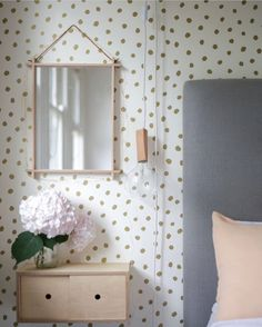 20 tips will help you improve the environment in your bedroom The uber talented super mum Jacinda of knows exactly how to create fun calm chic spaces. Bedroom For Girls Kids, Kids Bedroom Designs, Playroom Design, Kids Bedroom Furniture, Bedroom Decor, Bedroom Ideas, Bedroom Organisation, Buy Wallpaper Online, Rainbow Room