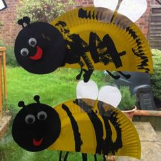 bee craft - maybe with markers instead of paint for the first day of school with a note that says....I know how to BEE a friend! :0)