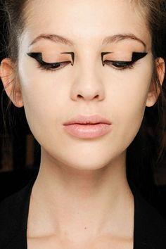 Graphic Eyes - Autumn/Winter 2012-13 Eye Liner Trend (Vogue.com UK)