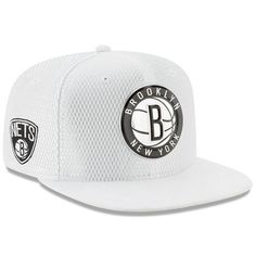 Men's Brooklyn Nets New Era White 2017 Official On-Court Collection 9FIFTY Snapback Hat