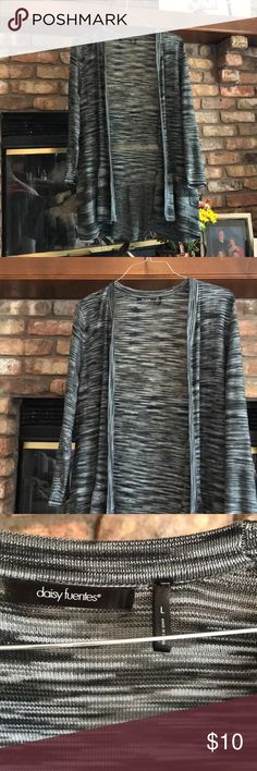 Daisy Fuentes Sweater Adorable Daisy Fuentes black and grey sweater! Gently worn, no flaws to be found!   Smoke free home  Make an offer💞 Bundle and save💫 Daisy Fuentes Sweaters