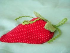 Free Strawberry Quilt Patterns   EASTER APPLIQUE PATTERNS « Free Patterns