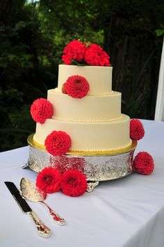 Wedding Cake with Dahlias