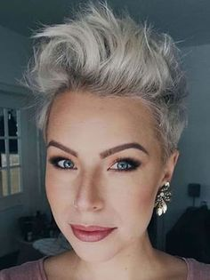 Edgy Pixie Haircuts, Undercut Pixie Haircut, Haircut For Thick Hair, Funky Hairstyles, Shaved Hairstyles, Short Trendy Haircuts, Short Undercut Hairstyles, Pixie Haircut Color, Pixie Haircut Styles