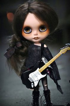 "G.Baby custom Blythe doll. ""that guitar is the best""~tru"