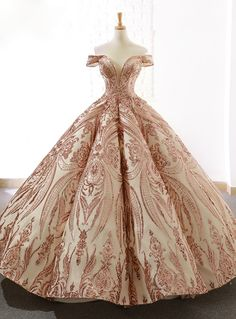 wedding dress off the shoulder We are professional online store for handmade custom made wedding dresses and special occasion dresses.Shop 2018 prom dresses and wedding dresses with affordable price here! Ball Gowns Prom, Ball Gown Dresses, Bridal Dresses, Evening Dresses, Rose Gold Quinceanera Dresses, Dresses Dresses, Red Ball Gowns, Backless Prom Dresses, Wedding Gowns