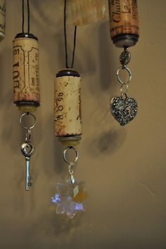 wine cork decorations- great for my wine themed kitchen/dining room