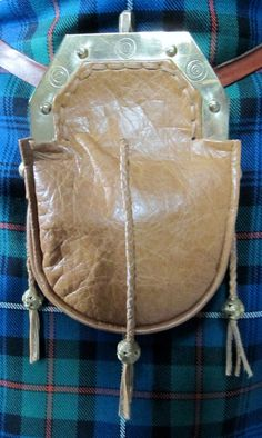 18th Century style cantle with replacement deerskin bag.