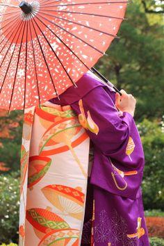 Flavors of Japan - - Maiko 舞妓 Japanese Travel, Japanese Geisha, Japanese Beauty, Japanese Kimono, Japanese Art, Memoirs Of A Geisha, Turning Japanese, Umbrellas Parasols, Yukata