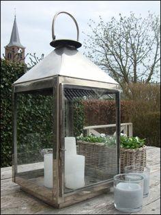 Landelijk Wonen Silver Lanterns, Wooden Lanterns, Lanterns Decor, Candle Lanterns, Outdoor Life, Outdoor Gardens, Outdoor Living, Outdoor Spaces, Fresco